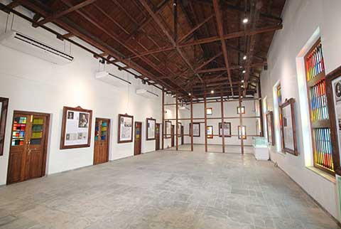 Personalities of Surat Gallery - After Restoration